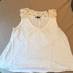 Gap crochet tank top. Size L.